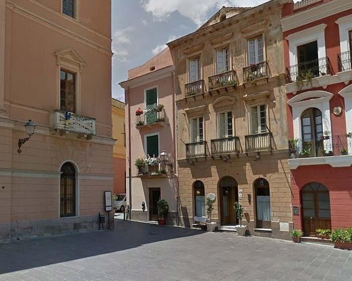 piazza-municipio-iglesias-1